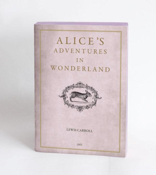 Llibre en blanc Alice in Woderlan